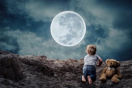 満月の日は、赤ちゃんはよく寝る?