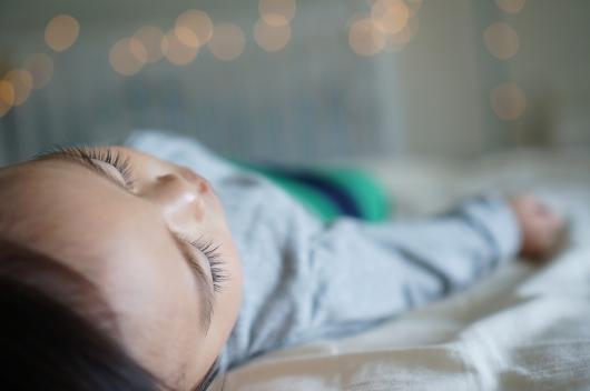 眠る環境が悪いせいで眠れない